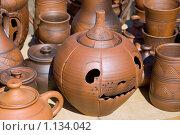 Купить «Глиняная посуда», фото № 1134042, снято 6 сентября 2009 г. (c) Parmenov Pavel / Фотобанк Лори