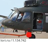 Купить «Медицинский вертолет Ми-17 (фрагмент)», эксклюзивное фото № 1134742, снято 19 августа 2009 г. (c) Алёшина Оксана / Фотобанк Лори