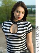 Купить «Портрет девушки в полосатом джемпере», фото № 1137006, снято 11 мая 2009 г. (c) Сергей Сухоруков / Фотобанк Лори