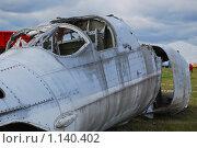 Купить «Утилизация обломков самолета (фрагмент)», эксклюзивное фото № 1140402, снято 19 августа 2009 г. (c) Алёшина Оксана / Фотобанк Лори