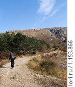 Турист в горах. Стоковое фото, фотограф Виктор Шмыголь / Фотобанк Лори