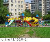 Купить «Детская площадка. Город Реутов, МО», эксклюзивное фото № 1156046, снято 11 августа 2008 г. (c) lana1501 / Фотобанк Лори