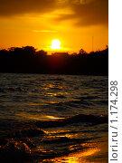 Купить «Оранжевый закат», фото № 1174298, снято 16 июня 2009 г. (c) Елена Жучкова / Фотобанк Лори