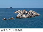Маяк на скалах, Адриатическое море, Хорватия (2009 год). Стоковое фото, фотограф Сергей Бесчастный / Фотобанк Лори