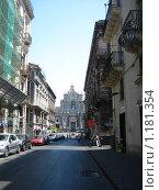 Будни города. Катания (2009 год). Редакционное фото, фотограф Марина / Фотобанк Лори