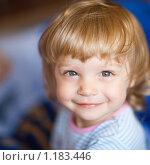 Купить «Маленькая девочка», фото № 1183446, снято 15 октября 2009 г. (c) Станислав Фридкин / Фотобанк Лори