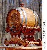 Купить «Дубовая бочка на подставке для пива, кваса, вина», фото № 1187074, снято 5 апреля 2009 г. (c) Алёшина Оксана / Фотобанк Лори