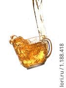 Льющийся чай. Стоковое фото, фотограф Суров Антон / Фотобанк Лори