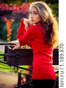 Купить «Дама в красном», фото № 1189870, снято 9 октября 2009 г. (c) Вероника Галкина / Фотобанк Лори