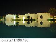 Здания ориентального стиля: ночное отражение в бассейне. Стоковое фото, фотограф Димитрий Сухов / Фотобанк Лори