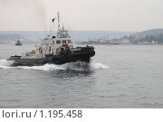 Купить «Корабль в Севастопольском порту», фото № 1195458, снято 2 августа 2004 г. (c) Асадчева Марина / Фотобанк Лори