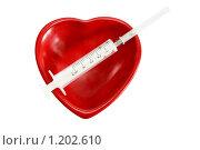 Сердце и шприц. Стоковое фото, фотограф Елена Гришина / Фотобанк Лори