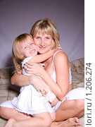 Купить «Мать и дочь», фото № 1206274, снято 25 сентября 2009 г. (c) Ольга Ковальчук / Фотобанк Лори