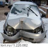 Автомобиль после аварии. Стоковое фото, фотограф Андрей Гагарин / Фотобанк Лори