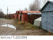 Купить «Гаражи», фото № 1223654, снято 14 ноября 2009 г. (c) АЛЕКСАНДР МИХЕИЧЕВ / Фотобанк Лори