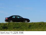 Купить «Автомобиль на дороге», фото № 1229194, снято 27 мая 2008 г. (c) Константин Исаков / Фотобанк Лори