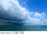 Купить «Облака над океаном», фото № 1230730, снято 6 июля 2009 г. (c) Losevsky Pavel / Фотобанк Лори