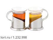 Купить «Черный и зеленый чай на изолированном фоне», фото № 1232998, снято 16 июля 2009 г. (c) Евгений Батраков / Фотобанк Лори