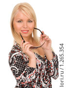 Купить «Блондинка с солнцезащитными очками», фото № 1265354, снято 3 июля 2008 г. (c) Валентин Мосичев / Фотобанк Лори