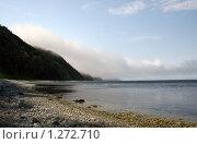 Купить «Туман спускающийся с сопок к морю», фото № 1272710, снято 18 июня 2008 г. (c) BELY / Фотобанк Лори