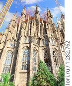 Купить «Саграда Фамилия (Sagrada Familia) в Барселоне, вид с правой стороны», фото № 1282762, снято 28 августа 2008 г. (c) Vitas / Фотобанк Лори