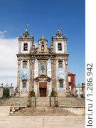 Купить «Порту, Португалия: старинный собор с отделкой азулежу», фото № 1286942, снято 16 сентября 2009 г. (c) Дмитрий Яковлев / Фотобанк Лори