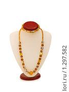 Купить «Женское ожерелье, изолированное на белом фоне», фото № 1297582, снято 15 октября 2008 г. (c) Elnur / Фотобанк Лори