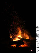 Костер на темном фоне. Стоковое фото, фотограф Алексей Головин / Фотобанк Лори