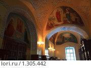 Купить «Внутреннее убранство храма в Свято-Екатерининском монастыре», эксклюзивное фото № 1305442, снято 18 декабря 2009 г. (c) Яна Королёва / Фотобанк Лори