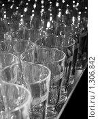 Купить «Стеклянные стаканы», фото № 1306842, снято 17 декабря 2009 г. (c) Юрий Винокуров / Фотобанк Лори