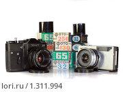 Старые советские фотоаппараты «Зенит ЕТ» и «Зоркий 10» (2009 год). Редакционное фото, фотограф Алексей Баринов / Фотобанк Лори