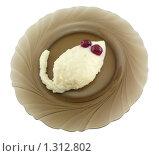 Манная каша с вишней в форме мышки 3. Стоковое фото, фотограф Дамир Фахретдинов / Фотобанк Лори