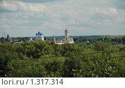 Купить «Серпухов. Вид на  Высоцкий мужской монастырь  с Воскресенской горы», эксклюзивное фото № 1317314, снято 27 июля 2009 г. (c) lana1501 / Фотобанк Лори