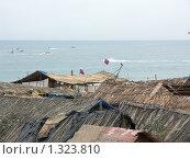 Соломенные хижины на пляже в Гоа (2008 год). Стоковое фото, фотограф Дудакова / Фотобанк Лори
