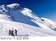 Купить «Склоны Чегета, Эльбрус», фото № 1323854, снято 4 декабря 2009 г. (c) Игорь Р / Фотобанк Лори