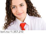 Купить «Девушка в белой сорочке с красным галстуком», фото № 1357210, снято 16 марта 2008 г. (c) Владимир Сурков / Фотобанк Лори