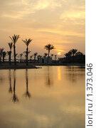 Купить «Восход на Красном море», фото № 1373046, снято 20 октября 2009 г. (c) Natalya Sidorova / Фотобанк Лори