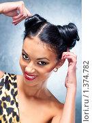 Купить «Портрет веселой молодой девушки», фото № 1374782, снято 24 декабря 2009 г. (c) chaoss / Фотобанк Лори