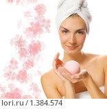 Купить «Красивая девушка с ароматным шариком для ванны», фото № 1384574, снято 26 февраля 2020 г. (c) Andrejs Pidjass / Фотобанк Лори