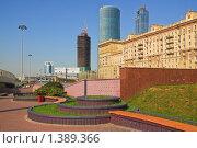 Сквер на Кутузовском проспекте (2009 год). Стоковое фото, фотограф Алёшина Оксана / Фотобанк Лори