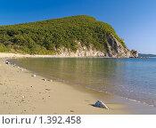 Купить «Пейзаж с морским берегом и песчаным пляжем», фото № 1392458, снято 1 сентября 2009 г. (c) Олег Рубик / Фотобанк Лори