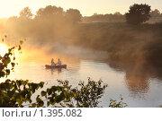 Купить «Влюбленные на рассвете», фото № 1395082, снято 15 июля 2009 г. (c) Майя Крученкова / Фотобанк Лори