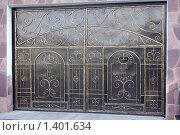 Купить «Кованые ворота», фото № 1401634, снято 19 августа 2009 г. (c) Никонор Дифотин / Фотобанк Лори