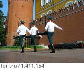 Купить «Москва. Александровский сад. Пост номер один», эксклюзивное фото № 1411154, снято 8 сентября 2008 г. (c) lana1501 / Фотобанк Лори