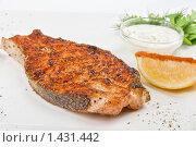 Купить «Жареная рыба», фото № 1431442, снято 25 ноября 2009 г. (c) Jan Jack Russo Media / Фотобанк Лори