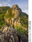 Скалодром на закате (2009 год). Редакционное фото, фотограф Николай Бунаков / Фотобанк Лори