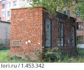 Старая трансформаторная будка. Стоковое фото, фотограф Яков Козарез / Фотобанк Лори