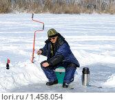 Зимняя рыбалка на реке. Стоковое фото, фотограф Андрей Кириллов / Фотобанк Лори
