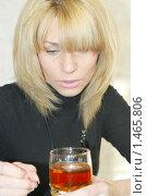 Купить «Портрет молодой женщины», фото № 1465806, снято 6 октября 2009 г. (c) Андрей Бурдюков / Фотобанк Лори