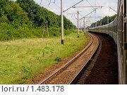 Купить «Пассажирский поезд в движении», фото № 1483178, снято 18 апреля 2019 г. (c) Алексей Хромушин / Фотобанк Лори